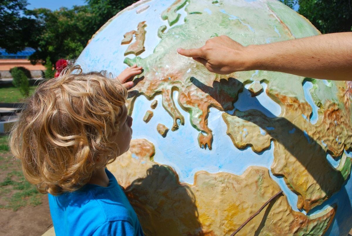 обучение географии на глобусе